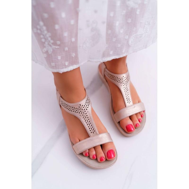 2866204f8a Svetlo ružové dámske sandálky na nízkej podrázke s ozdobnými kvetmi