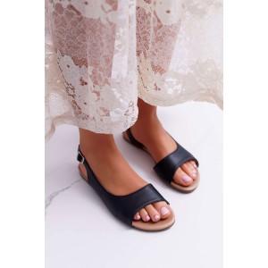 Pohodlné nízke dámske sandále v čierne farbe a trendy designom