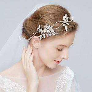 Dámska čelenka do vlasov na svadbu