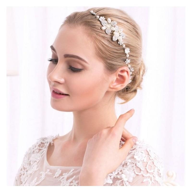 8876e894c124 Dámska korunka do vlasov na svadbu v striebornej farbe