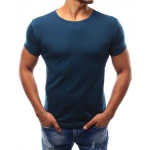 Tmavo modré pánske tričko s krátkym rukávom k rôznym outfitom