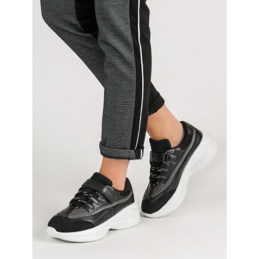 Pohodlné čierne dámske tenisky