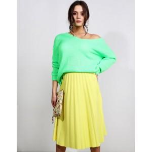 Krásna jarná dámska midi plisovaná sukňa v žltej farbe