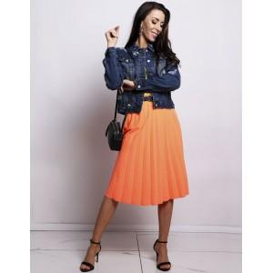 6937ea542637 Trendy dámska plisovaná sukňa pod kolená v krásnej oranžovej farbe