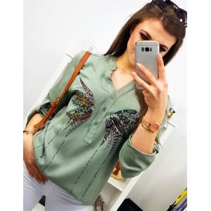 Dámska svetlo zelená vzdušná košeľa s módnou potlačou motýľa