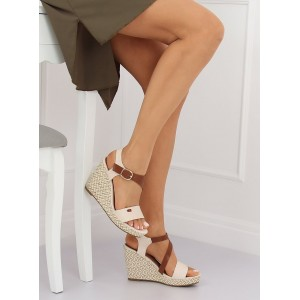 Trendové dámske sandále na platforme béžovej farby