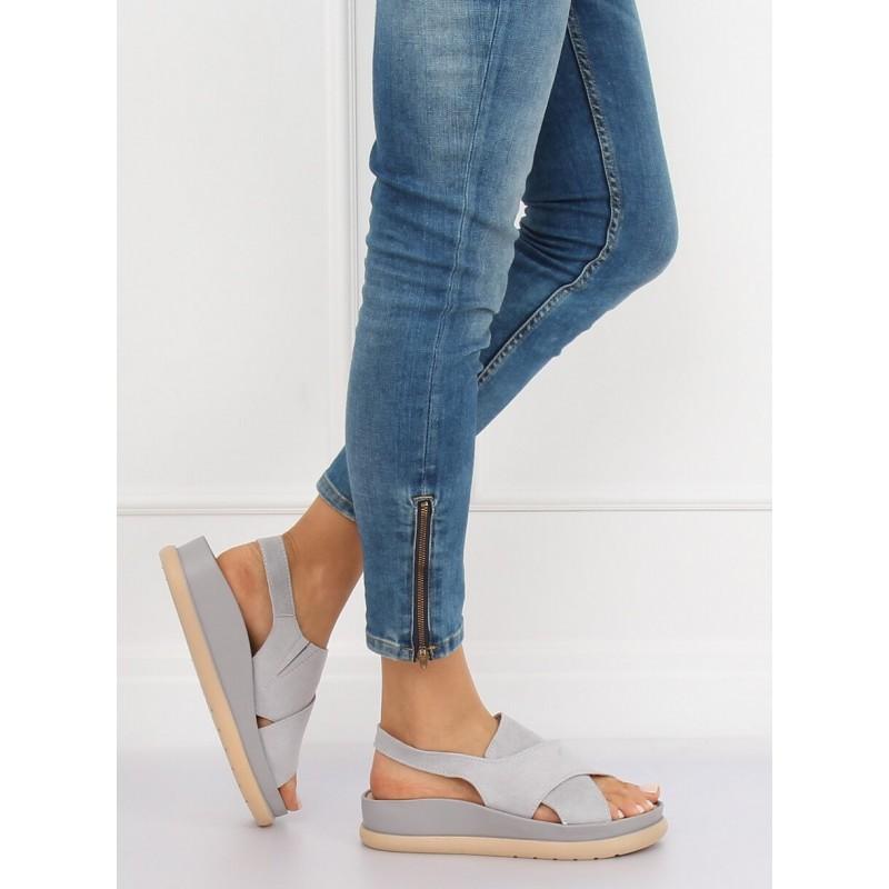 2f6cbc691a88 Sivé dámske sandále na hrubej gumenej podrážke