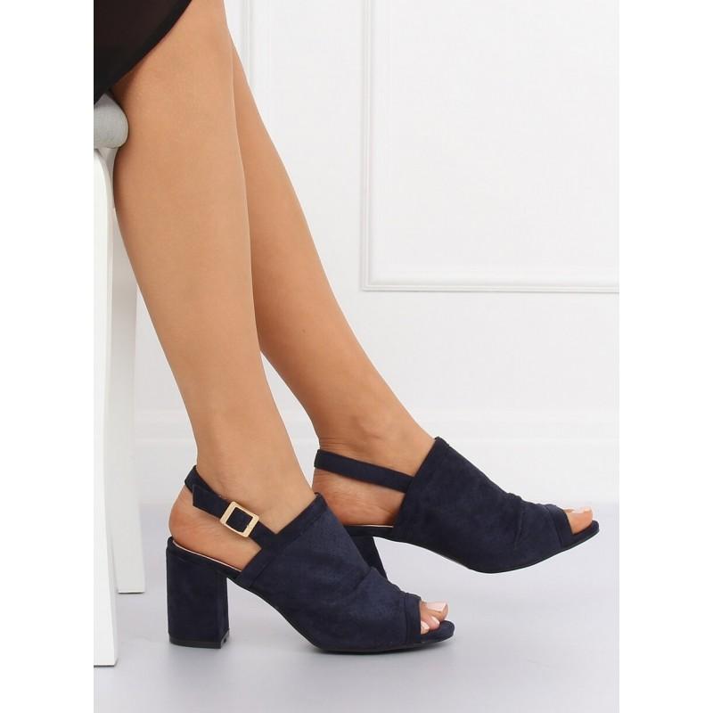 ababb01845ef Originálne tmavo modré sandále s perforovanou povrchovou úpravou