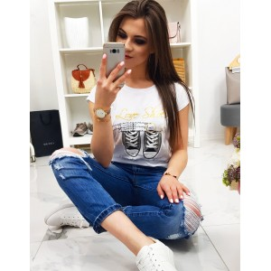 Štýlové dámske biele tričko s potlačou topánok a nápisom LOVE SHOES