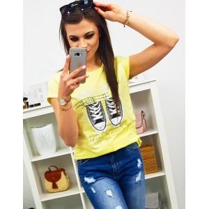 Dámske tričko žlté s potlačou tenisiek a trendy nápisom LOVE SHOES