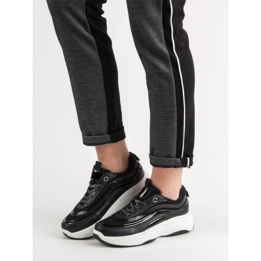 Lesklé čierne dámske tenisky