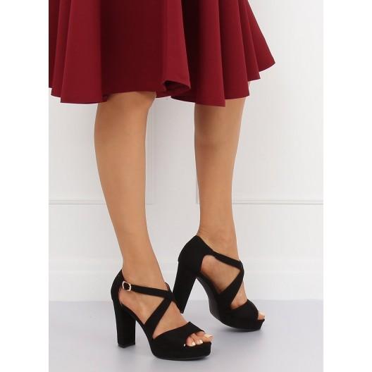 Elegantné dámske čierne semišové sandále na leto a vysokom opätku