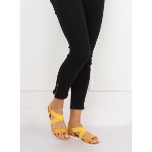 Letné dámske sandále v krásnej žltej farbe na nízkej podrážke
