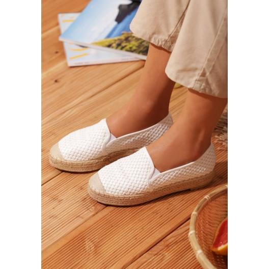 Biele dámske espadrilky na nízkom podpätku s gumičkou