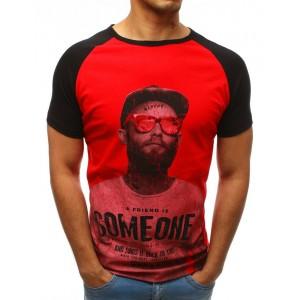 Štýlové červeno čierne pánske tričko s výraznou potlačou a nápismi