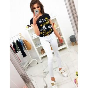Dámske čierne tričko s originálnym nápisom v bielo žltej farbe