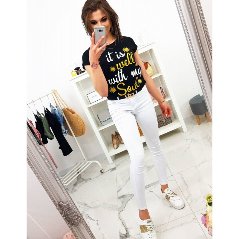 23bc451f5db1 Dámske čierne tričko s originálnym nápisom v bielo žltej farbe