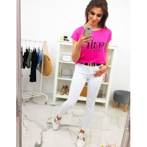 Moderné dámske tričko s neónovo ružovej farbe s módnym nápisom