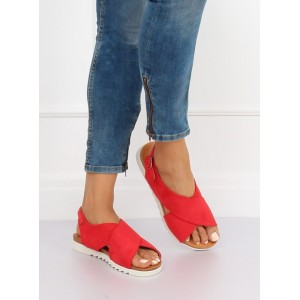 Červené dámske semišové sandále na nízkej bielej podrážke