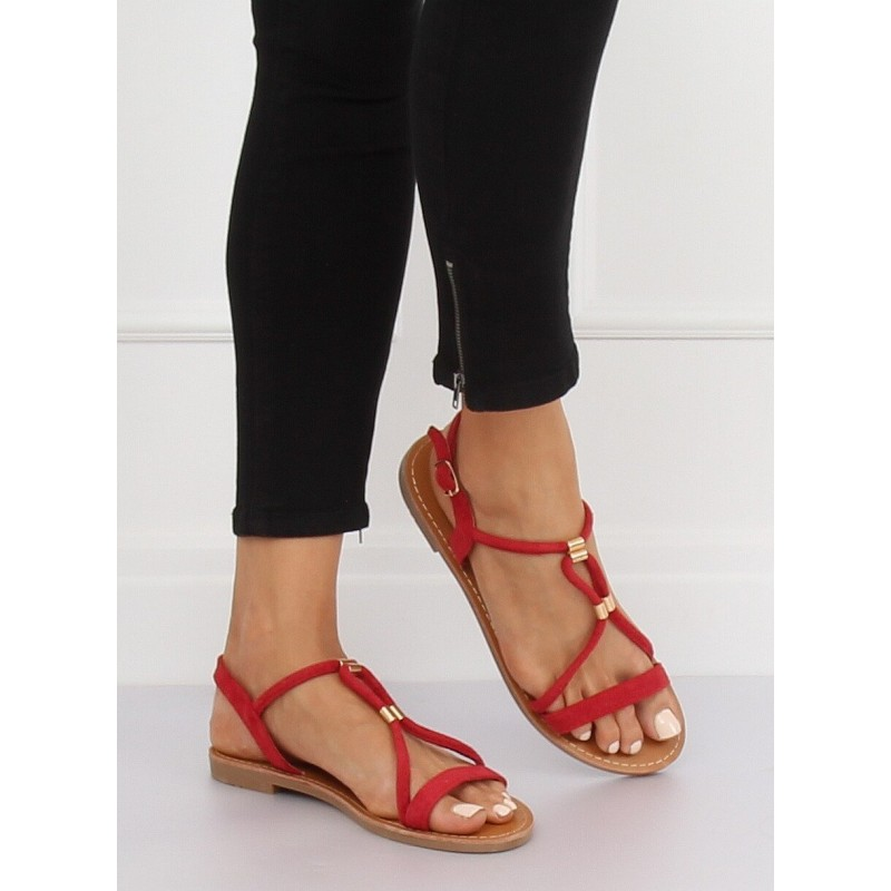 74c6d89031487 Štýlové dámske červené nízke sandále so zapínaním okolo členka