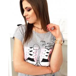 Štýlové dámske tričko v sivej farbe s módnou potlačou tenisiek