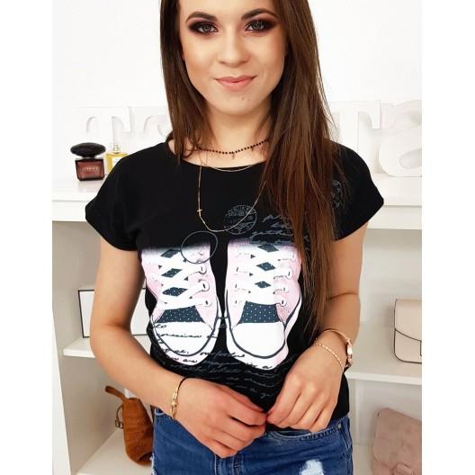 Originálne dámske tričko v čiernej farbe so streetovou potlačou tenisiek