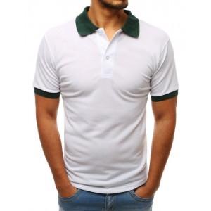 Jednofarebné biele polo tričko s kontrastným zeleným golierom