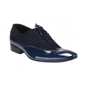 Spoločenské pánske kožené topánky v modrej farbe s lakovanou špičkou