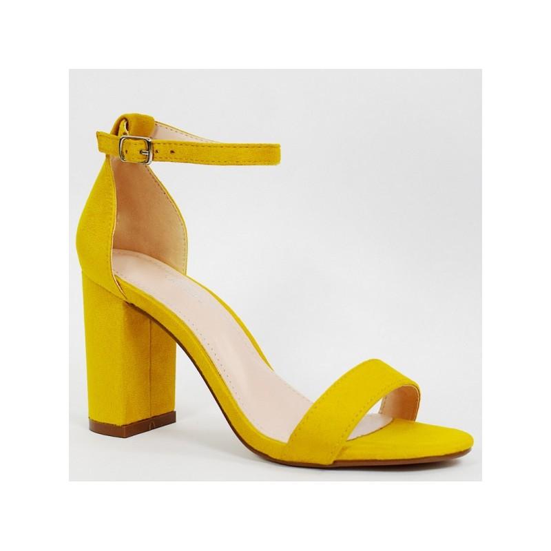 076634904a Dámske semišové sandále v krásnej žltej farbe so zapínaním okolo nohy
