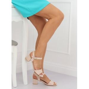 Dámske semišové sandále béžovej farby na nízkom podpätku