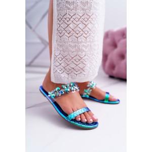 Elegantné dámske šľapky s modrou metalickou potlačou a krýštalikmi