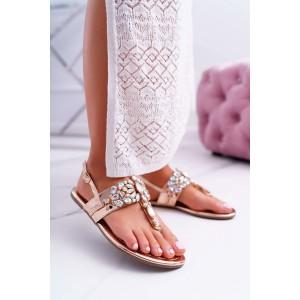 Elegantné dámske ružovo zlaté sandále na nízkej podrážke s kamienkami