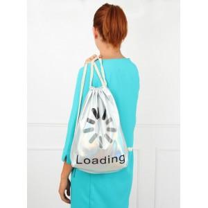 Strieborný batoh s nápisom Loading