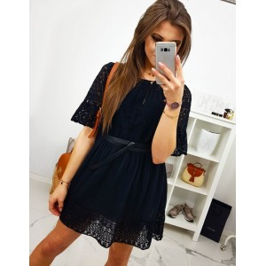 Elegantné letné šaty čiernej farby