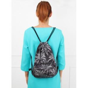 Čierny športový ruksak na chrbát s palmami
