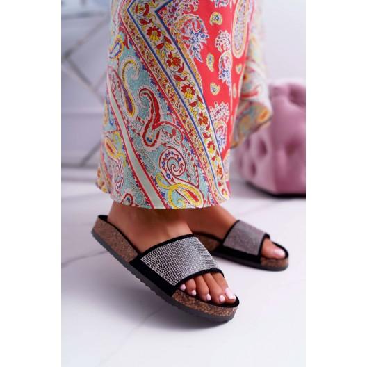 Dámske papuče v čiernej farbe