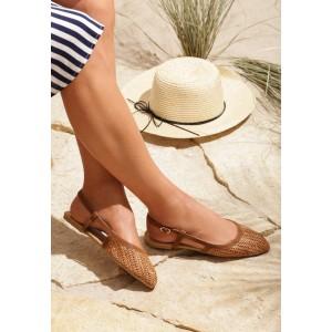 Dámske hnedé sandále bez podpätku