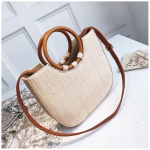 Pletená dámska kabelka v béžovej farbe