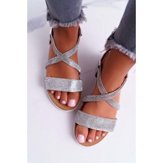 Štýlové dámske strieborné sandále so zirkónmi a viazaním na remienok