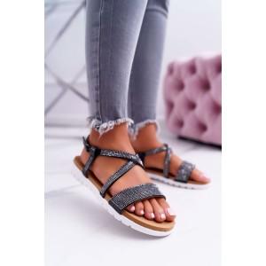 Moderné čierne dámske sandále na nízkej podrážke a so zirkónmi