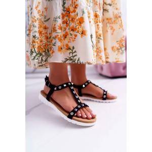 Trendy čierne semišové dámske sandále so striebornými vybíjancami