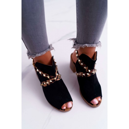 Dámske semišové sandále čierne s designovými leopardími pásmi