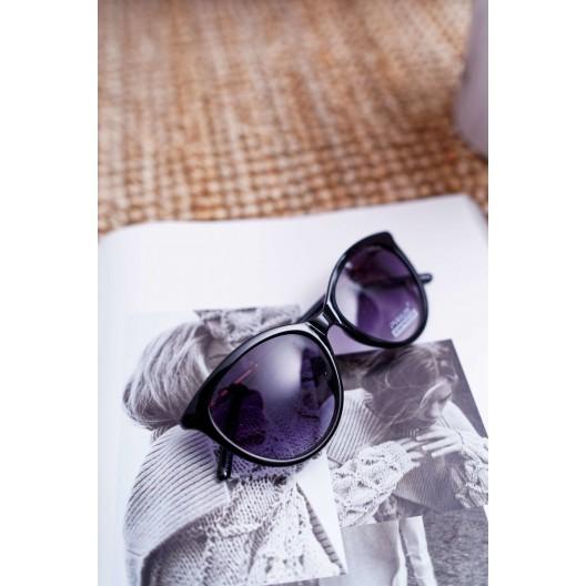 Čierne dámske slnečné okuliare s ozdobnou zlato farbenou rúčkou