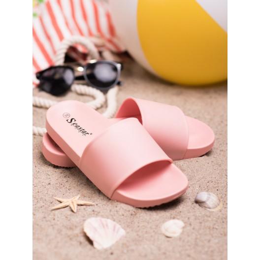 Trendy dámske gumené šľapky na pláž v ružovej farbe