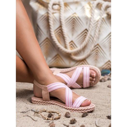 Štýlové dámske sandále v ružovej farbe s asymetrickým prekrížením