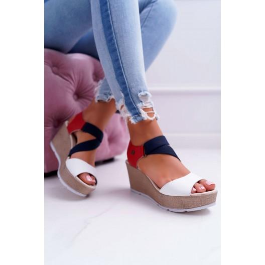 Štýlové dámske sandále na platforme v módnom viacfarebnom designe