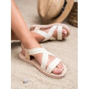 Trendy dámske béžové sandále na nízkej podrážke s lemom pletenca