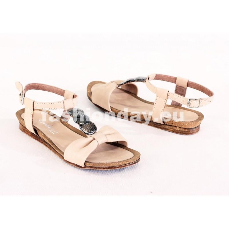 3b4a8bf03109d Dámske kožené sandále béžové DT075 - fashionday.eu