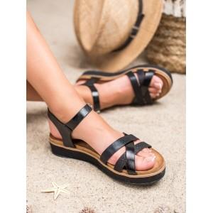 Originálne dámske čierne sandále na trblietavej platforme