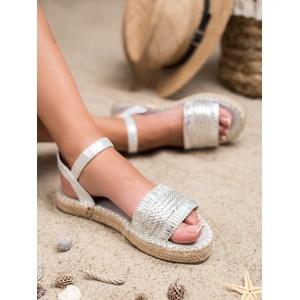 Pohodlné dámske letné strieborné sandále na pletencovej platforme